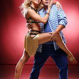 """GZSZ""-Star Thomas Drechsel wagt sich mit Tanzpartnerin Regina Murtasina aufs Parkett."