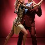 Gewichtheber Matthias Steiner macht Hebefiguren mit Tanzpartnerin Ekaterina Leonova