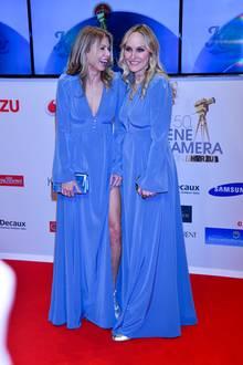 """Ursula Karven und Gala-Chefredakteurin Anne Meyer-Minnemann (rechts) amüsieren sich: Sie haben zum gleichen Kleid gegriffen. """"Ist doch toll, wenn man sich so mag wie wir!"""", sagt die Schauspielerin lachend. """"Das machen wir jetzt immer so!"""", meint auch Meyer-Minnemann."""