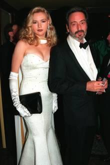 Neun Jahre lang sind Helmut Dietl und Veronica Ferres ein Paar. Bis zu ihrer Trennung im Jahr 1999 gehören sie zu den absoluten Glamour-Paaren Deutschlands.