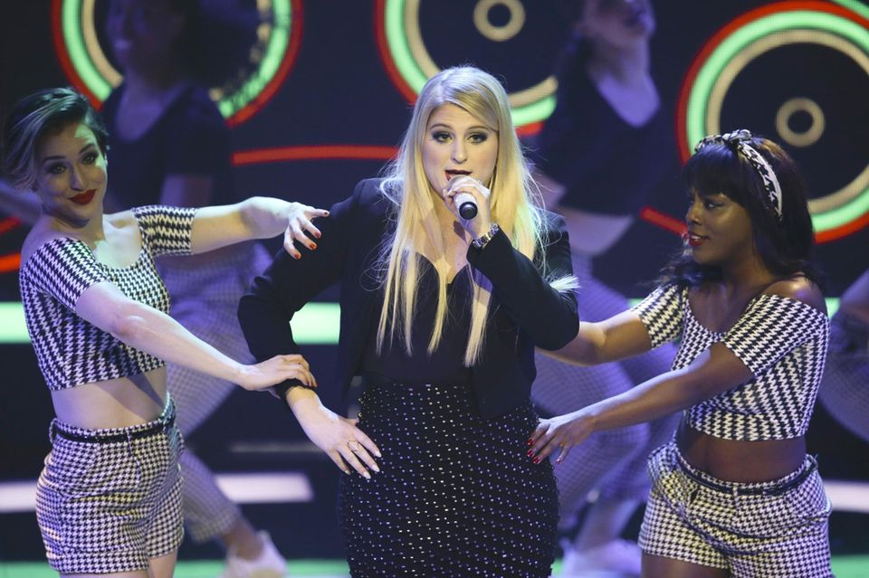 "US-Star Meghan Trainor performt ""All About That Bass"" und ihre neue Single ""Lips Are Movin'"" bei der ""Echo""-Verleihung."
