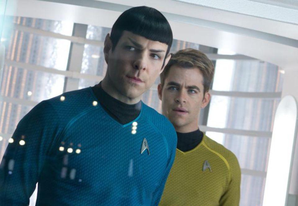 """""""Star Trek Into Darkness"""", Sonntag 20.15Uhr ProSieben  Als ein fürchterlicher Terroranschlag London erschüttert, werden Kirk (Chris Pine) und Spock (Zachary Quinto) auf eine lebensgefährliche Vergeltungsreise geschickt ..."""
