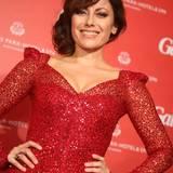 Rot war die Farbe des Abends: Schauspielerin Carolina Vera in einem glamourösen Pailletten-Kleid