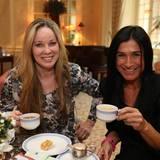 Ann-Kathrin Kramer (Schauspielerin) und ihre Begleitung Silvia Wingenfelder genossen die Tea Time mit köstlichem Tee von SIDROGA