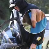 April 2015  Auf aktuellen Bildern trägt Bruce Jenner die Nägel rot lackiert.