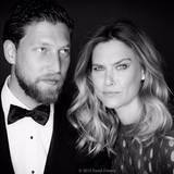 Was für ein cooles Gespann: Das Topmodel Bar Refaeli und ihr Bruder Dor. Bars Bruder lebt in Los Angeles, liebt heiße Motorräder, seine Hunde und Wellenreiten. Mehr davon auf seinem Instagram-Account!