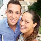 Tennis-Star und Bastian Schweinsteigers Ehefrau Ana Ivanovic ist ein echter Familienmensch und hat zu ihrem jüngeren Bruder Milos ein sehr liebevolles Verhältnis. Und da die guten Gene wirklich in der Familie liegen, können wir uns freuen, dass Ana immer wieder süße Fotos von sich und Milos auf Instagram postet.