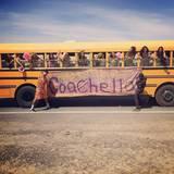Chris Brown hat sich einen ganzen Bus voller Schönheiten mitgebracht.