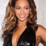 """Selbst """"Queen Bee"""" hat ihren Achselhaaren freien Lauf gelassen. Obwohl Beyoncés Wildwuchs eher harmlos ist, wurde dieser bei der damaligen Film-Veranstaltung in New York zum Klatschthema."""