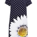 Durch die Blume: Etuikleid mit Extra-Eyecatcher, von Anna's Dress Affair, ca. 230 Euro