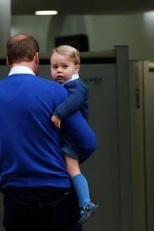 Noch guckt er etwas skeptisch drein, doch der kleine George wird sicherlich ein toller großer Bruder.
