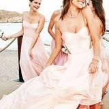 Brautjungfer Alessandra Ambrosio feiert ausgelassen auf der Hochzeitsparty ihrer guten Freundin Model Ana Beatriz Barros auf Mykonos