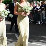 Prinz Harrys Ex-Ex Chelsy Davy strahlte bei der Hochzeit von Lady Melissa Percy und Thomas van Straubenzee in einem champagnerfarbenen Seidendress mit Brokat-Verzierungen.