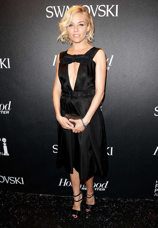 Fashion-Looks: Sienna Miller im kleinen Schwarzen, mit reizvoll umspieltem Dekolleté.