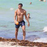 Manchester-United-Stürmer Robin van Persie genießt die spielfreie Zeit in Miami Beach.