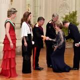 18. Mai 2016  Im königlichen Schloss in Brüssel empfangen König Philippe, Königin Mathilde an der Seite von König Abdullah und Königin Rania die Gäste.