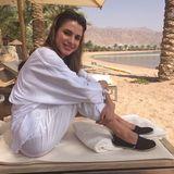 April 2015  An einem verlängerten Wochenende entspannt sich Königin Rania am Strand von Akaba.