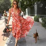 Wenn Hunde-Mama Anna Dello Russo dabei ist, reicht Cucciolina auch eine schlichte Leine. Man will dem Modejournalisten-Frauchen ja schließlich nicht die Show stehlen.