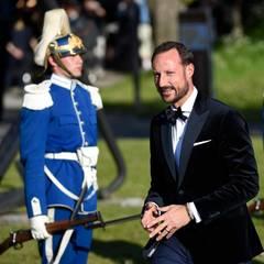 Prinz Haakon stößt zur Gästeschar in Skeppsholmen.