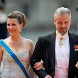 Prinz Carl Philip + Sofia Hellqvist: Prinzessin Märthe Louise von Norwegen strahlt neben Ehemann Ari Behn.