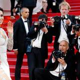 """Eine strahlend schöne Eva Longoria freut sich bei der Premiere von """"Inside Out"""" über die Aufmerksamkeit der Journalisten."""