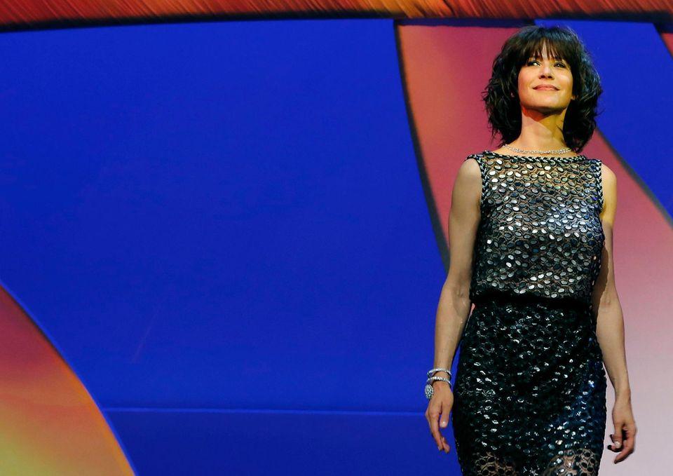 Sophie Marceau steht auf der Bühne der Eröffnungszeremonie der 68. Filmfestspiele in Cannes.