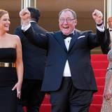 """Produzent John Lasseter und die Synchronstimmen des Films Amy Poehler und Melanie Laurent feiern ihren Film """"Inside Out""""."""