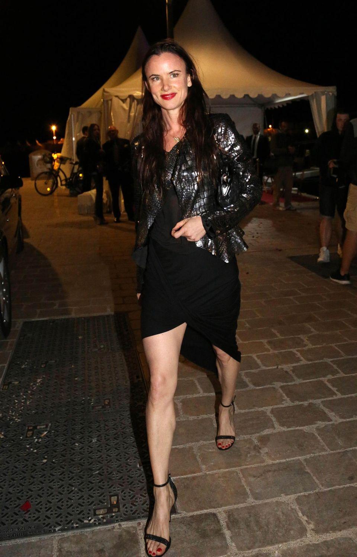 Juliette Lewis macht sich auf den Weg zur einer Yacht-Party.