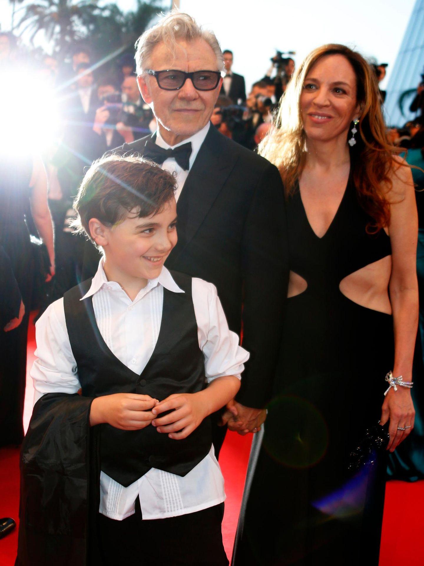 Harvey Keitel hat seine Frau Daphna Kastner und Sohn Roman mit dabei.