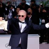 """Regisseur Jacques Audiard freut sich über seine Auszeichnung für den Film """"Dheepan""""."""