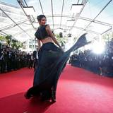 Kendall Jenner genießt das Blitzlichtgewitter.