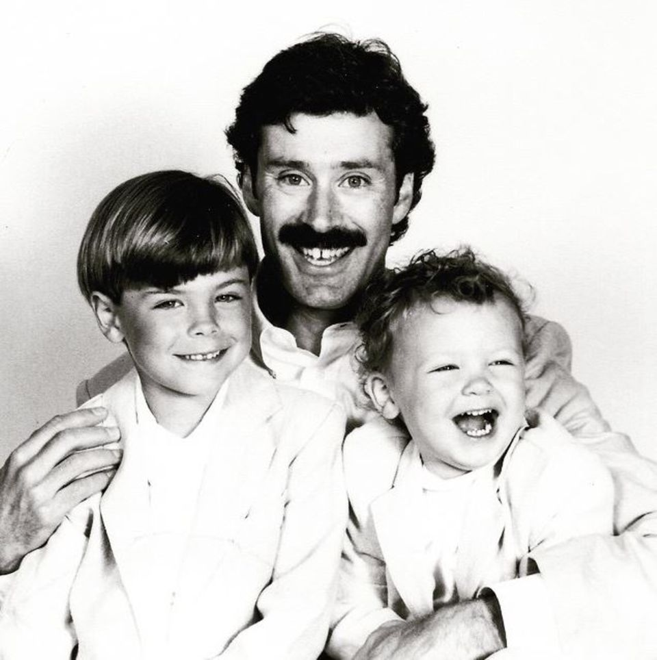 """Zac Efron schriebt zu seinem Vatertagsposting: """"Happy Father's Day to the best dad in the world. My hero. My inspiration. The man who taught me that anything and everything is possible. Love you, dad. And I'm jealous of your mustache."""""""
