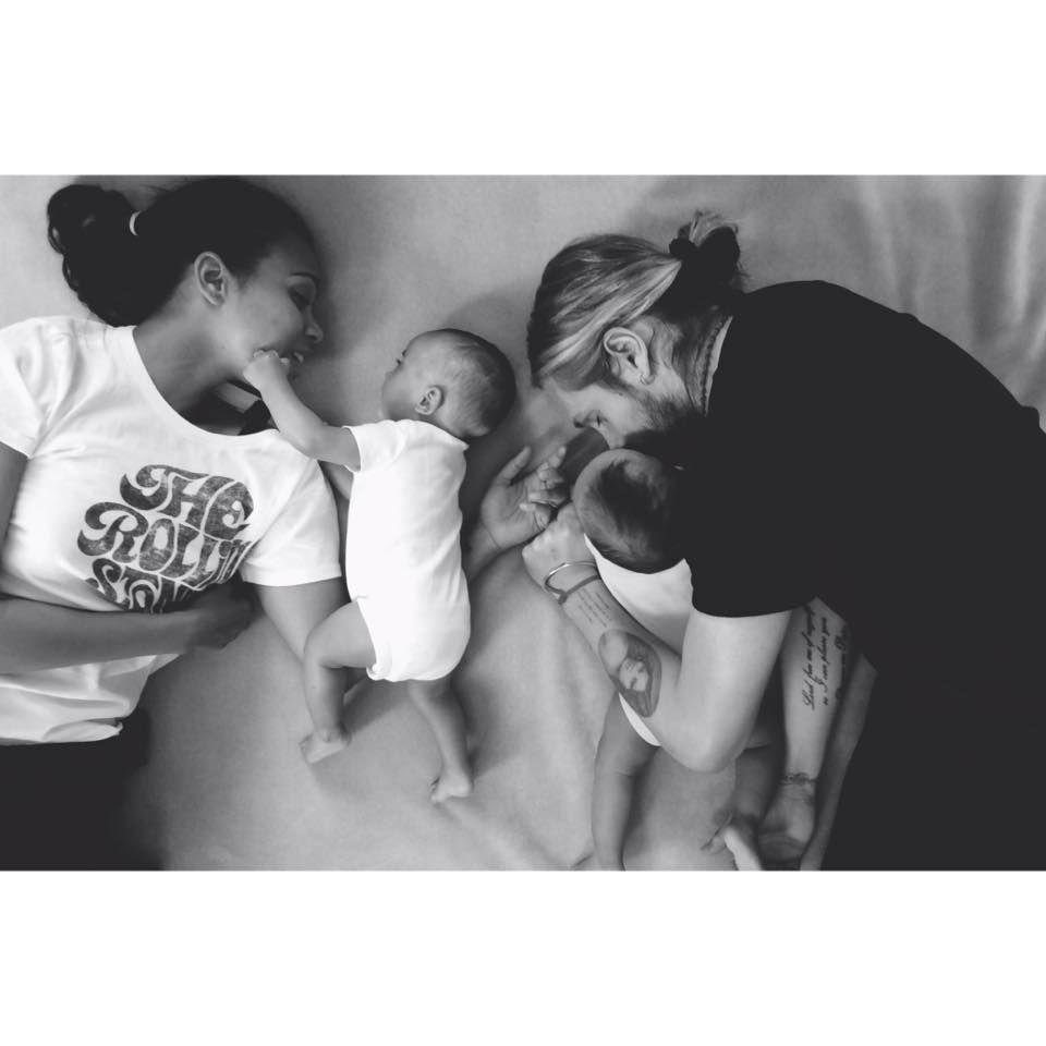 Zoe Saldana und Marca Perego sind seit Anfang des Jahres Eltern von Zwillingen und feiern den ersten Vatertag natürlich gemeinsam mit ihren Söhnen Bowie und Cy.