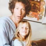 """Gwyneth Paltrow erinnert sich an ihren Vater Bruce: """"Ein Freund sagte kurz nachdem mein Vater gestorben ist zu mir 'jeder hat einen Vater, aber nicht jeder hat einen Papa'. Brucie, du warst beides. Zu sagen, dass ich dich vermisse, ist untertrieben. Frohen Vatertag für dich, wo immer du bist. Du warst der Beste der Besten."""""""