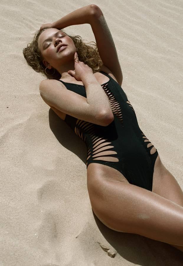 bademode black on the beach s 6. Black Bedroom Furniture Sets. Home Design Ideas