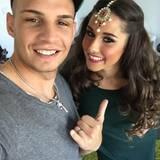 6. Mai 2016  Kurz vor dem Beginn der Let's Dance Sendung senden Pietro und Sarah Grüße aus der Garderobe via Facebook.