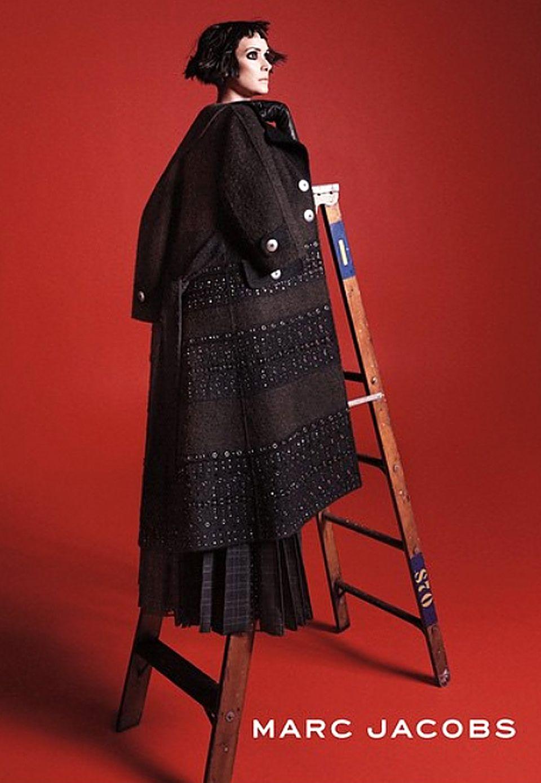 Die Wiedergeburt der Winona R.: Für Marc Jacobs posiert die Schauspielerin in seiner neuesten Werbekampagne. Ansonsten hört und sieht man nicht viel von dem einstigen Liebling der Filmindustrie.
