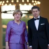 Tag 2  Angela Merkel wird zum Gala Dinner von Ehemann Joachim Sauer begleitet.