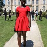 Strahlend schön in Rot: Lupita Nyong'o ist bei Dior mit dabei.