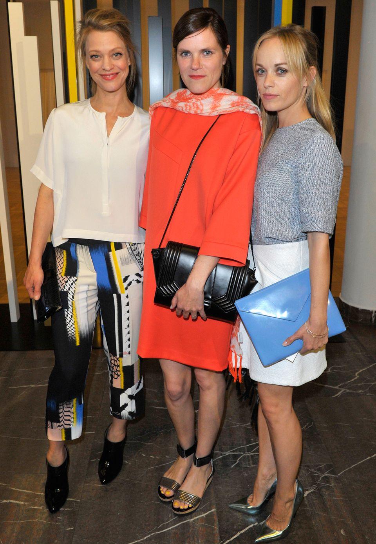 Im Rahmen der Mercedes Benz Fashion Week präsentiert die Berliner Designerin Leyla Piedayesh ihre lala Berlin Frühjahr/Sommer Kollektion 2016 und Franziska Haberlandt, Heike Makatsch und Friederike Kempter sind mit unter den prominenten Gästen.