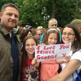 Diese jungen Anhänger der Royals freuen sich besonders auf Prinz George.