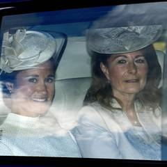 Pippa und Carole Middleton kommen mit dem Auto zum Taufgottesdienst.