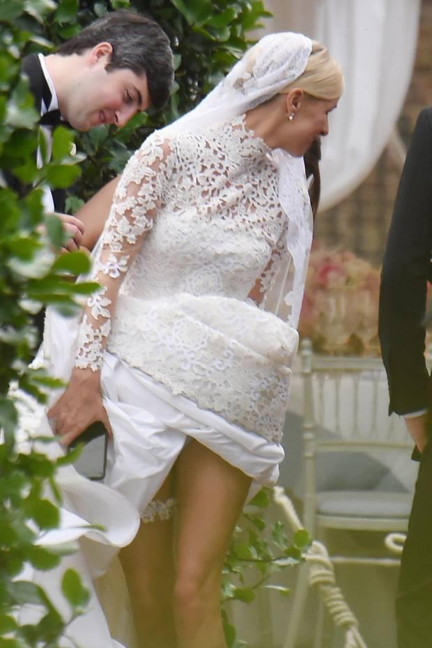 Fantastisch Hochzeitskleid Zeigen Fotos - Brautkleider Ideen ...