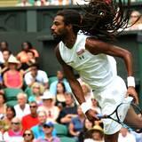 Dustin Brown gewinnt gegen Rafael Nadal.