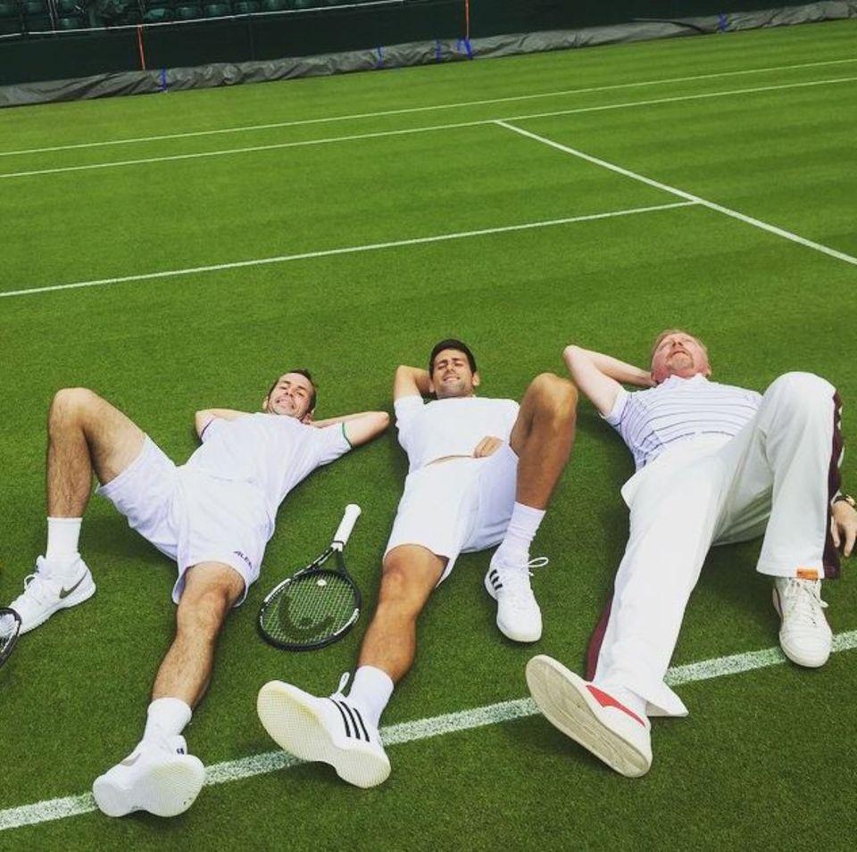 Boris Becker legt mit seinem Schützling Novak Djokovic eine Trainingspause ein.