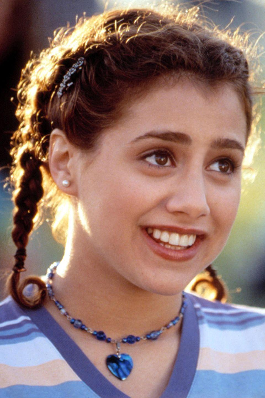 """Brittany Murphy als """"Tai Fraiser""""  Sie ist der Neuzugang auf der Bronson Alcott High School und """"Cher"""" und """"Dionne"""" nehmen die naive Schülerin unter ihre Fittiche – Make-Over inklusive."""