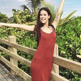 Gute Laune im luftigen Maxikleid: Lena Meyer-Landrut genießt ihren Urlaub und trägt am liebsten praktische, sommerliche Outfits.
