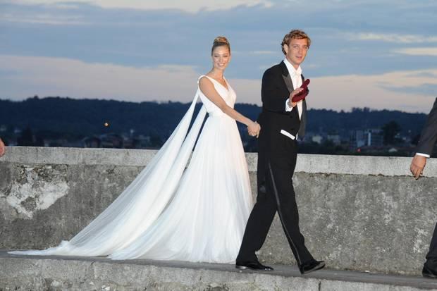 Beatrice und Pierre sind auf dem Weg zum Hochzeitsdinner.
