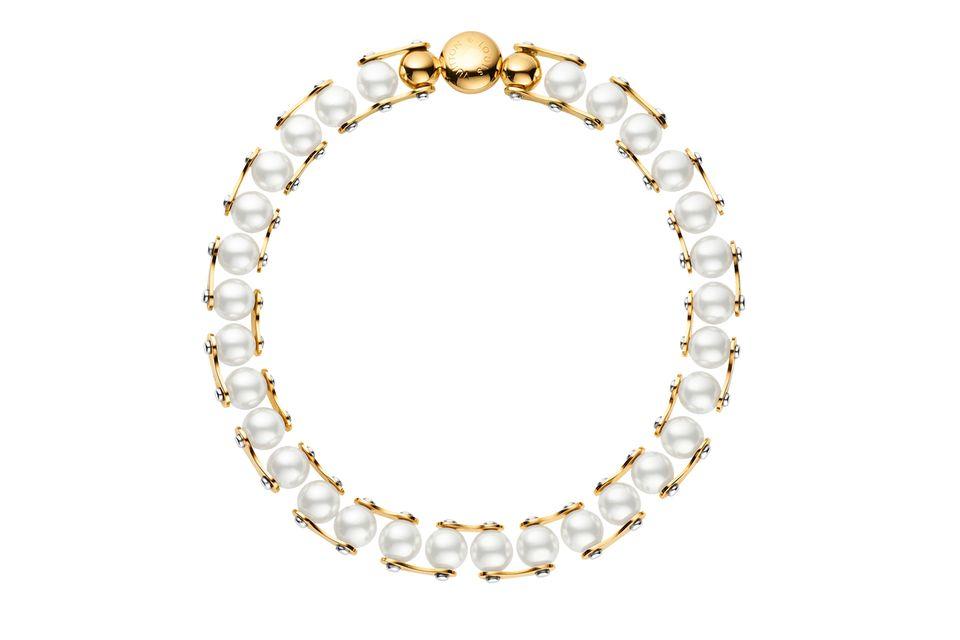 Auf diese Perlenkette wäre selbst Audrey Hepburn neidisch. Von Louis Vuitton, ca. 1.000 Euro