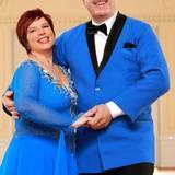 """Anja und Bruno Rauh  Sie sind das Kultpaar von """"Bauer sucht Frau"""" und überzeugten bereits in der Kuppelshow von ihrer guten Laune. Auf dem Parkett dürfte das nicht anders werden. """"Wir sind beide keine Tanzmuffel und tanzen leidenschaftlich gern!"""", bestätigt Anja."""